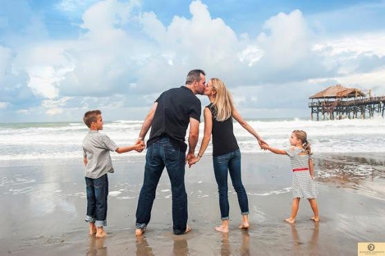 FAMILY PHOTOGRAPHY HONOLULU, HAWAII, OAHU AND WAIKIKI BEACH (1) - Copy