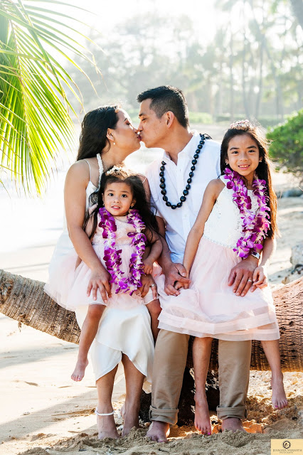 Family photography Honolulu Waialea Beach