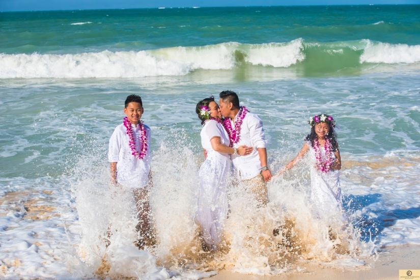 Family photographers in Oahu Hawaii Waikiki (1)