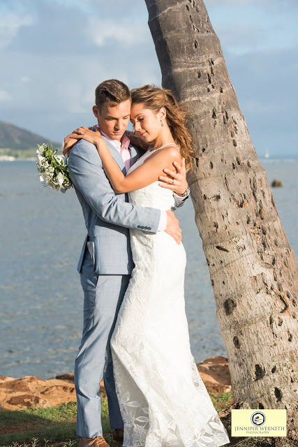 Wedding photographers in Oahu, Hawaii-Magic Island (2)