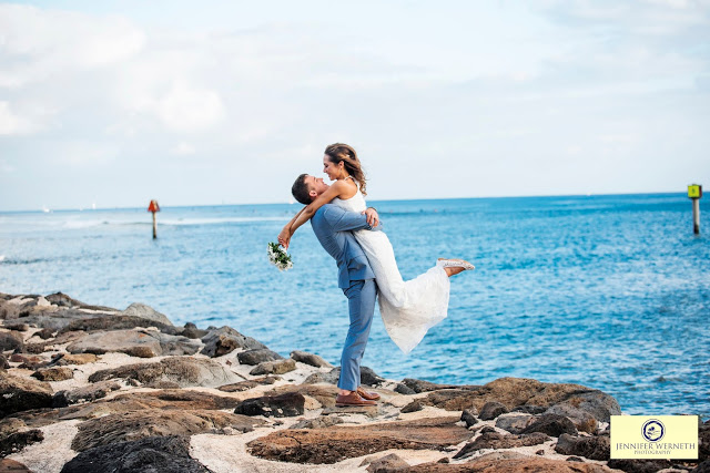Wedding photography in Magic Island, Ala Moana, Oahu, Hawaii
