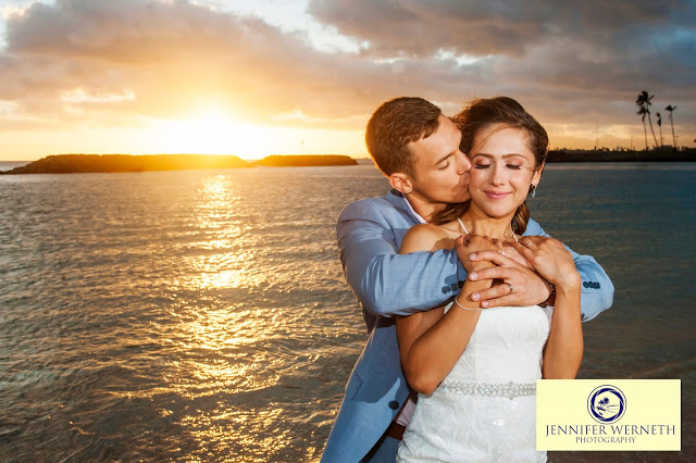Wedding photographers in Oahu, Hawaii-Magic Island (6)