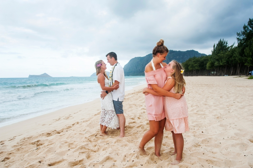 Family photographers in Oahu, Hawaii 24